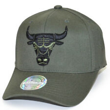 Mitchell & Ness Snapback Cap 110 Curved Chicago Bulls olive black