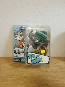 Mcfarlane Toys Hanna Barbera Tom and Jerry It's a game of cat and mouse