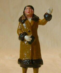 Woman Standing & Waving, Standard Gauge platform layout figure, New/Reproduction