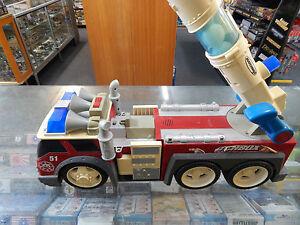 Large Scale Fire Truck by MATCHBOX - MATTEL 2001