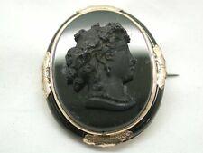 Hermoso Victoriano De Oro Y Negro De Vidrio Tallado Broche Camafeo