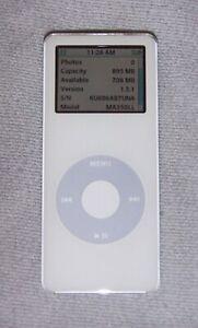 Apple iPod Nano 1st generation (1GB) Digital Media MP3 Player. Works great