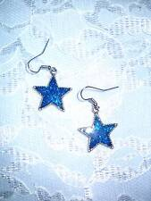 STARS BRIGHT TURQUOISE BLUE COLOR GLITTER INLAY STAR DANGLING PEWTER EARRINGS