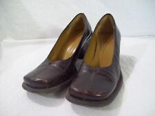 BCBG Paris Women's Brown Leather Pumps Heels sz 6B