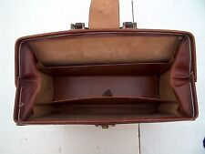 VINTAGE CALIFORNIA BRIDLE LEATHER BRIEFCASE OF HOLLYWOOD