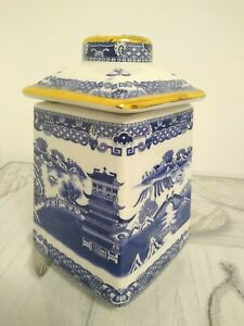 """Ringtons Wade """"Mailing"""" Willow Pattern Tea Caddy Produced 1993"""