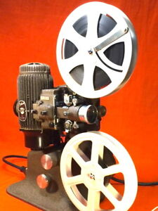 BELL & HOWELL FILMO DIPLOMAT 16mm SILENT PROJECTOR IN SUPERB CONDITION