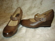 EARTH NORTHSTAR Womens Wedge Leather Shoes Size 6.5