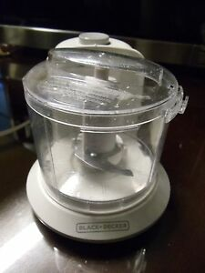 Black & Decker 1.5-Cup One-Touch Electric Chopper in White HC306