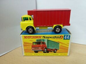 P17-MATCHBOX SUPERFAST MB44-A GMC REFRIDGERATOR TRUCK AND BOX