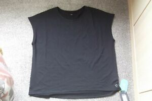 BNWT SIZE  18 BLACK  SPORTS  TOP BY  GOODMOVE MARKS & SPENCER