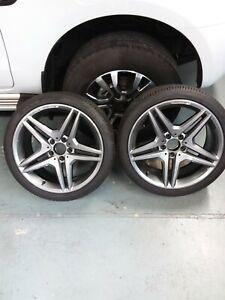 2 rear Mercedes SLK R171 AMG alloy wheels and Avon ZV7 tyres