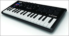 M-Audio Axiom AIR Mini 32 USB MIDI Keyboard & Drum Pad Controller +Picks