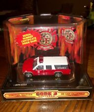 CODE 3 LOS ANGELES CITY 1:64 Fire Dept GMC Suburban truck 12400 Battalion 15 NEW