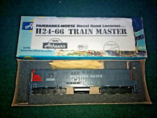 HO Athearn Southern Pacific Trainmaster H24  - 66  locomotive Road 3028
