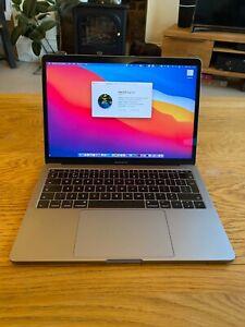 Apple MacBook Pro 13 inch 2017 2.3 Ghz 256GB retina display space grey
