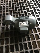 WEG ODG 512 GEAR MOTOR 220/380V, .45/.27A, 2740 RPM **NEW**