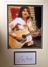 RAY DAVIES - CHART TOPPING SINGER - KINKS - SUPERB SIGNED COLOUR PHOTO DISPLAY
