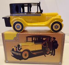Vintage Avon Collectible 1926 Yellow Checker Cab Empty Bottle w/Box