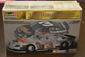 Revell Dale Earnhardt Goodwrench Service Plus Monte Carlo 1:24 Scale - Sealed
