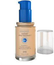 CoverGirl Outlast Stay Fabulous 3-in-1 Foundation, Classic Ivory [810] 1 oz