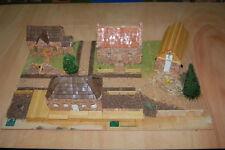 Maqueta DOMUS KITS Dihorama 2 con cuatro casas de piedra ref. 40205 escala H0