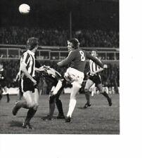 Unstamped Press Photo B&W 7 x 8 - Oldham v Stoke 4.10.1977