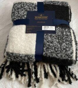 """Pendleton Rob Roy Plaid Sherpa Fleece Black/White Blanket Throw 50"""" x 70"""" NWT"""