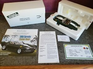 "Danbury Mint 1965 Corvette Convertible  ""CANYON RACER""   w/ Paperwork 1:24"