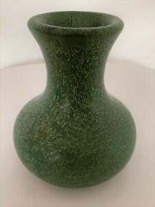 Hampshire Pottery #164 – Bulbous Cucumber Matte Green Bud Vase Arts & Crafts
