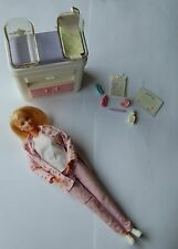 "Barbie  ""HAPPY FAMILY""  médecin veste rose"