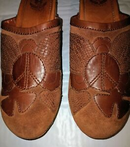 Women's Lucky Brand Brown Wooden Heel Leather Clogs Size US 10 Peace Angel Wings