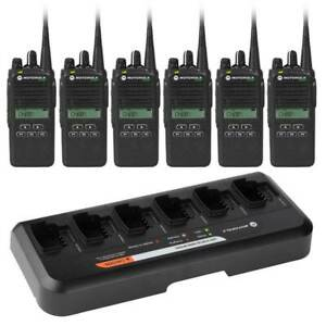 Motorola CP476 6x Two Way Radio Package With 6-Way Charger