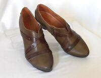 PIKOLINOS Size 8-8.5 (39) M Brown Leather Strapped Med-Heel Side-Zip Dress Pumps