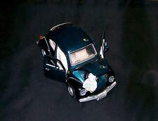 Volkswagen Beetle Car & Rabbit Diecast 1:18 Model Road Signature Collectible