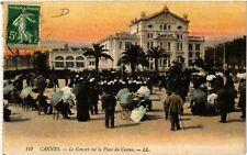 CPA  Cannes -  Le Concert sur la Place du Casino   (513807)