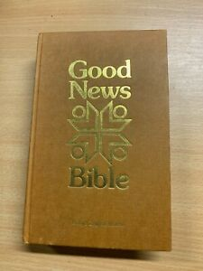 1976 HOLY BIBLE GOOD NEWS BIBLE ILLUSTRATED HARDBACK BOOK (P4) ref:K57
