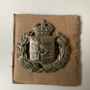 OBSOLETE EARLY WHITE METAL POLICE BADGE. ( HASTINGS )