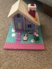 EUC 100% Vintage Polly Pocket Ski Lodge 1993