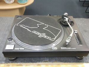 Technics SL-1200 MK2 Black Turntable Record Player
