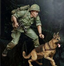 1/35 Resin US Soldier Scouting W/his Dog Vietnam War BL187