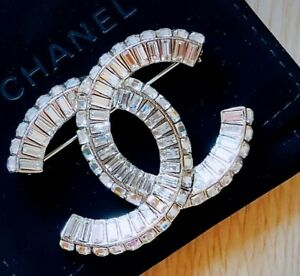 NEW Chanel White Silver Diamante Crystal BIG CC LOGO Metal Brooch Pin Corsage