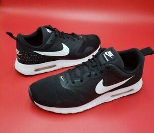 Womens Nike AIR MAX TAVAS  Shoes Sneakers Black White 916791 001 Sz 9.5 EU 41