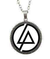 Collier Pendentif Linkin Park Fond Blanc, Acier argenté.