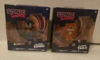 """New TOMY SONIC THE HEDGEHOG 2.5"""" Classic Sonic And Classic Tails Figures."""