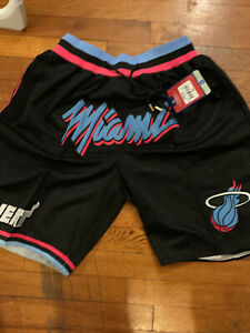 Mitchell & Ness Miami Mitchell City Edition Heat  Shorts Size Large front logo