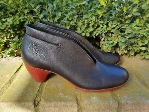 CAMPER SHOES SIZE 39 AS NEW