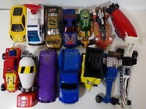 14 Die Cast Vehicles Lot: Matchbox, Hotwheels & Ertl: Cars, Trucks & Blimp
