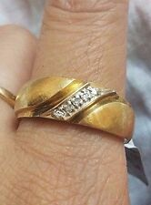 MENS 14K GOLD DIAMOND WEDDING BAND. SIZE 11.5