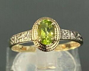 Solid 9ct Gold W/ Peridot & Diamond ring size O 1/2 -  7 1/4